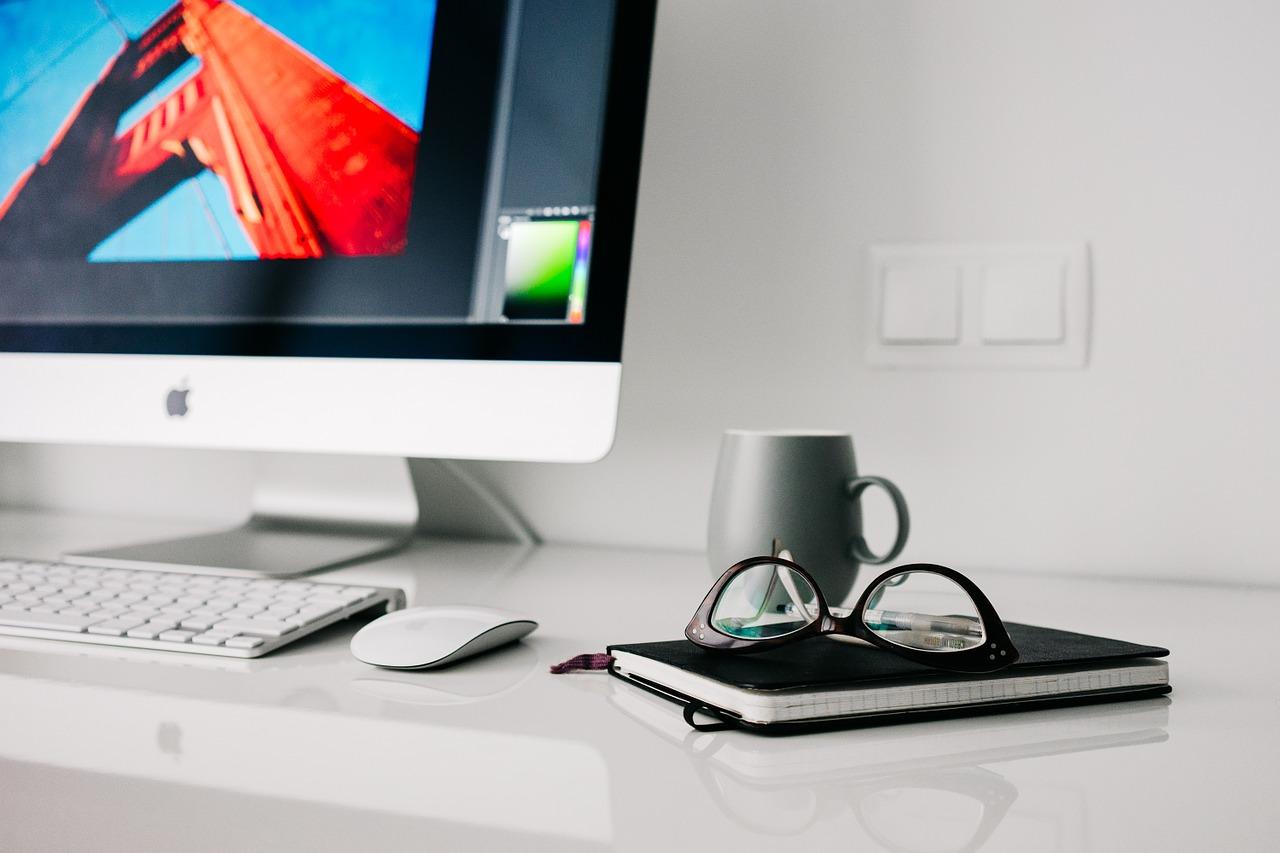 Blog na firmowej stronie – czy to opłacalne?