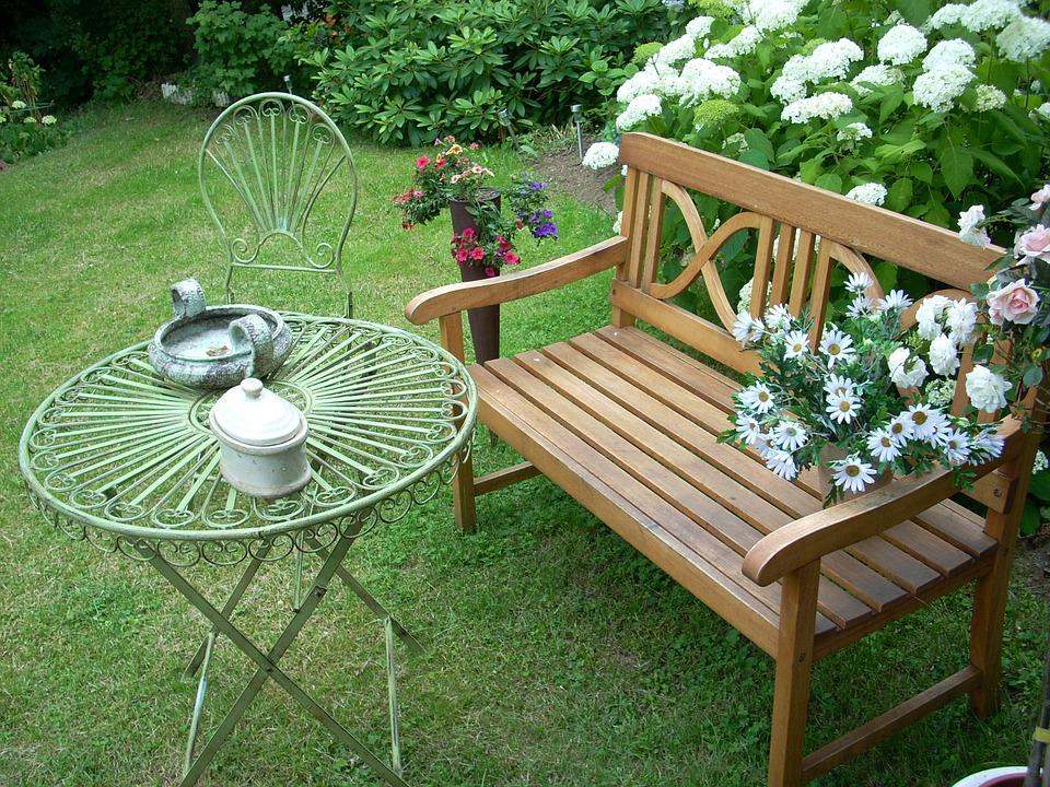 Nowoczesne ławki ogrodowe